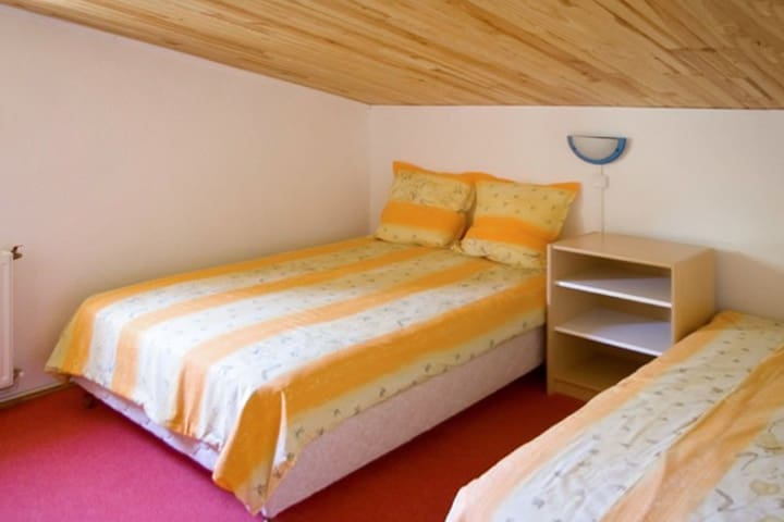 Rustic flat with pool and garden - Berre-les-Alpes - Daire