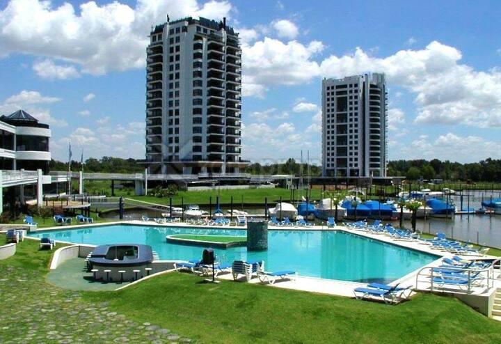 Condominio Marinas Golf, vista al Río Luján