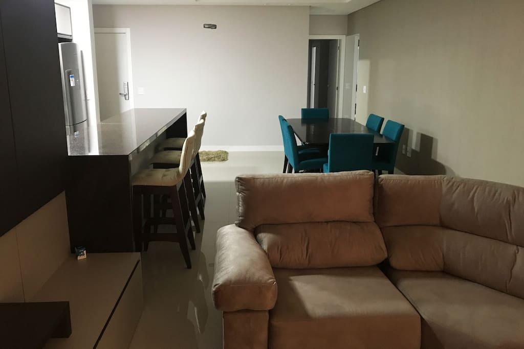 Sala de estar e jantar integrada
