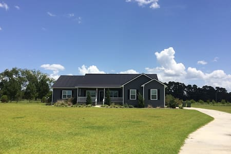 Quiet Room in Moultrie - 5 miles to Moss Farms! - Moultrie - Casa