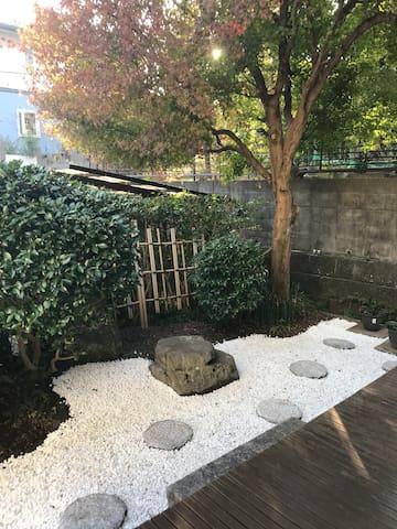 澄意小筑.电车20分钟到达京都,雄琴温泉车站免费接送!停车位2台!10人以上单独使用房源!