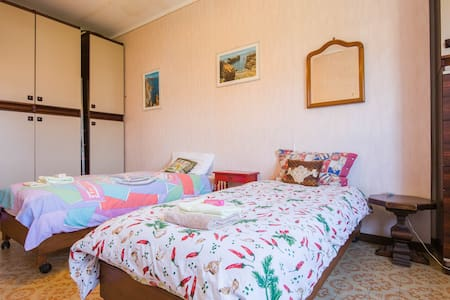 Spacious & luminous double room w/private bathroom - Marina di Andora