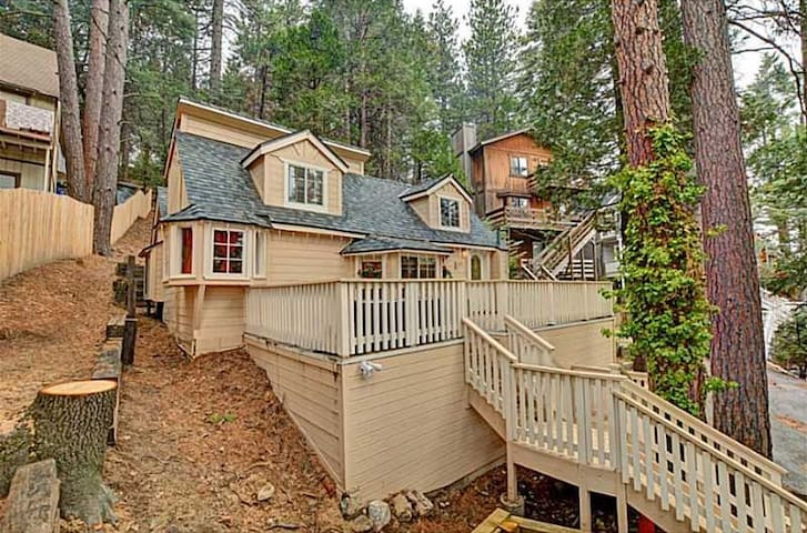 The Chalet in Lake Arrowhead-Twin Peaks - Twin Peaks - Chalet