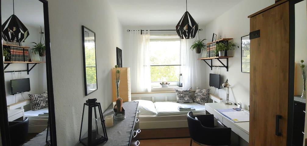 ruhiges & gemütliches Zimmer im Zentrum von Berlin