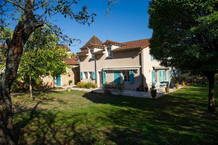 Maison de charme avec jardin – Cluny Centre-Ville