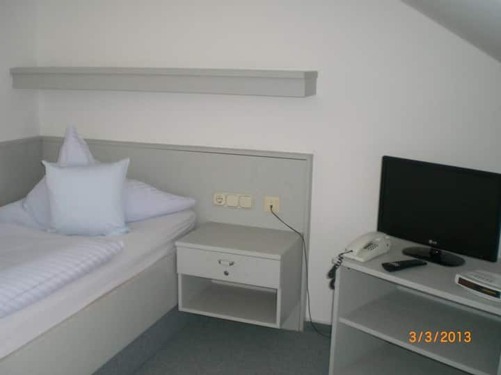 Haus Confido (Bad Griesbach i. Rottal), Einzelzimmer-Appartement