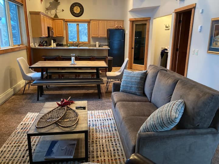 Entire Townhouse - Ski-in/Ski-out Big Horn