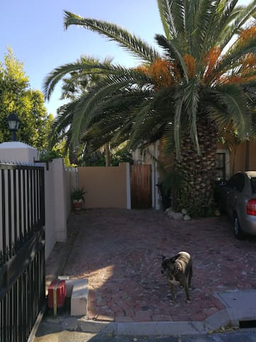 GARDEN FLAT FULLY FURNISHED AND EQUIPPED.QUIETarea