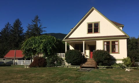 Salmon River Guesthouse: House Rental