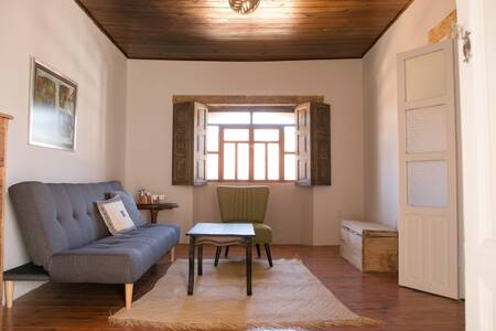 Kasa Adobe | Downtown Private Suite