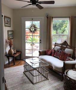Casa Shangri-La  Bungalow & Bunkhouse (Sleeps 1-6)