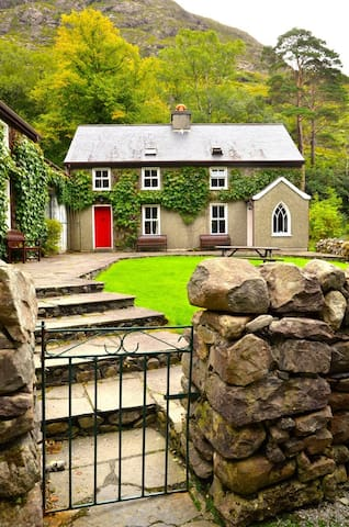 Boathouse Cottage 3