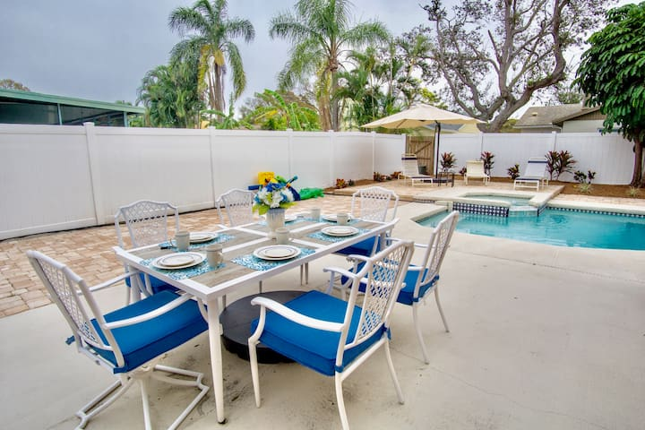 Enjoy Breakfast, Lunch, or Dinner Outdoors on the Patio!! (Just steps away from kitchen doors)