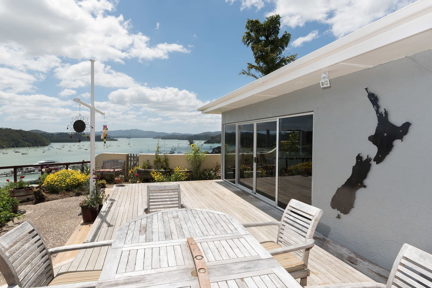 Captain's Quarters - Opua Holiday Home - Outdoor Living and Stunning Views