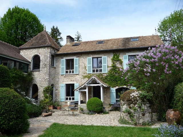 Charming country house 50' from Paris, 5' golf.