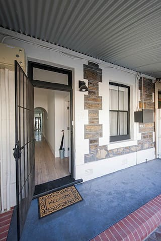 AdelaideCBD luxury heritage cottage - Adelaide - House