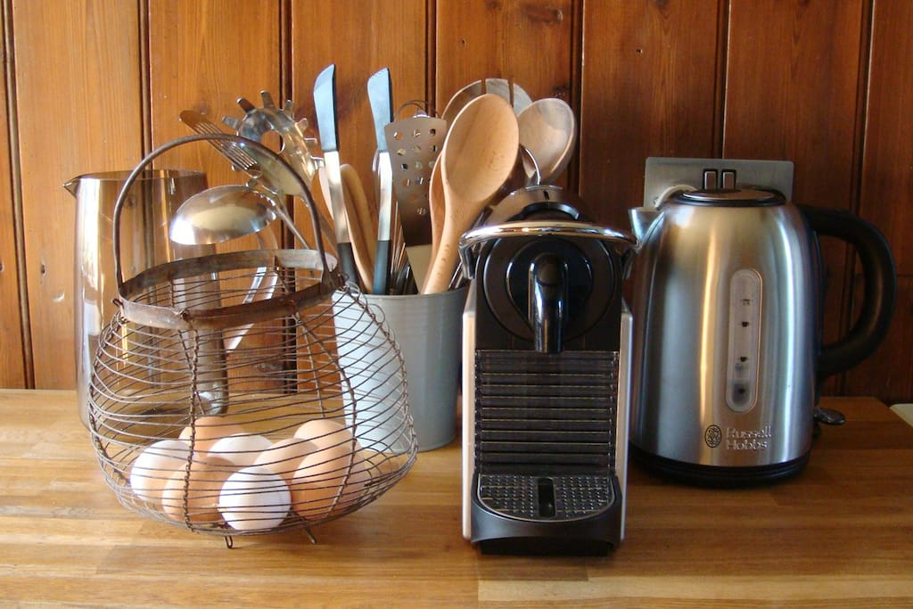 Well equipped kitchen, with nespresso machine and fresh eggs available from our hens