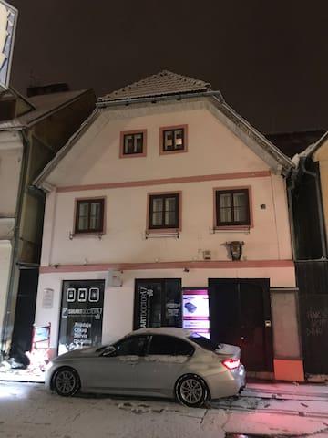 APARTMAN STUDIO RADIĆEVA 70 m2