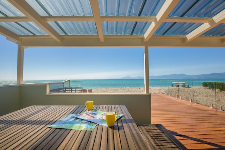 Beachfront Ruby Bay-Mapua Beach House