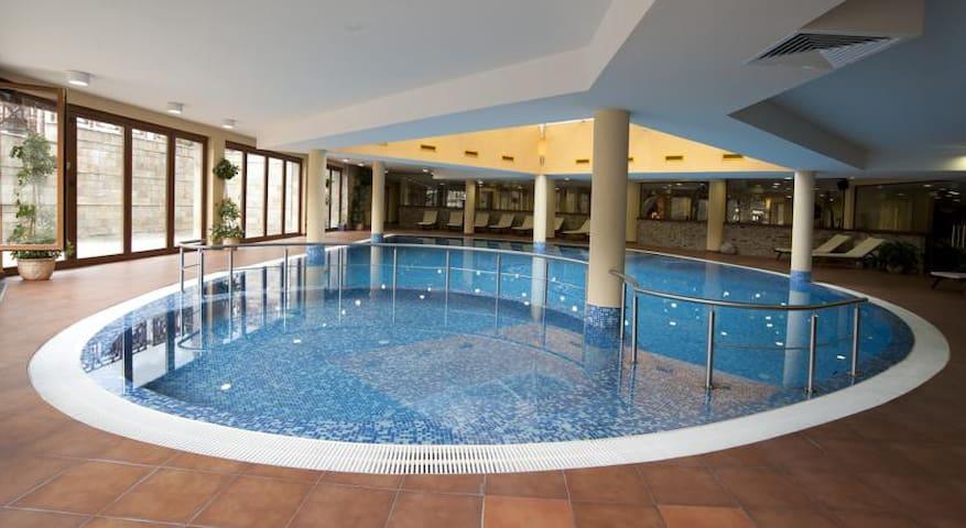 Luxurious Apartment is 4* Vihren Palas Ski&Spa - Bansko - Huoneisto