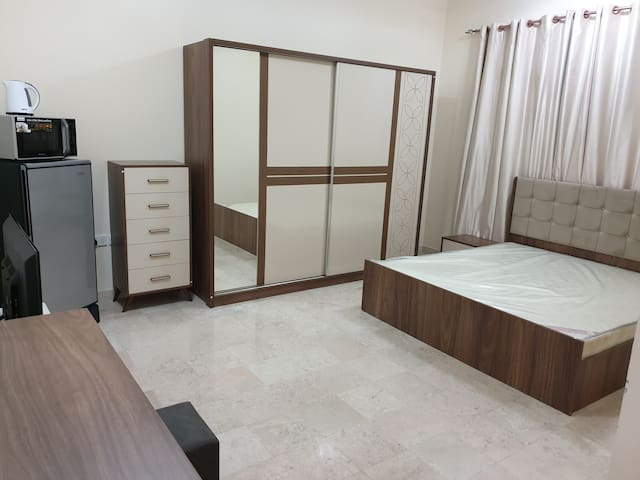 Fully furnished rooms & studios