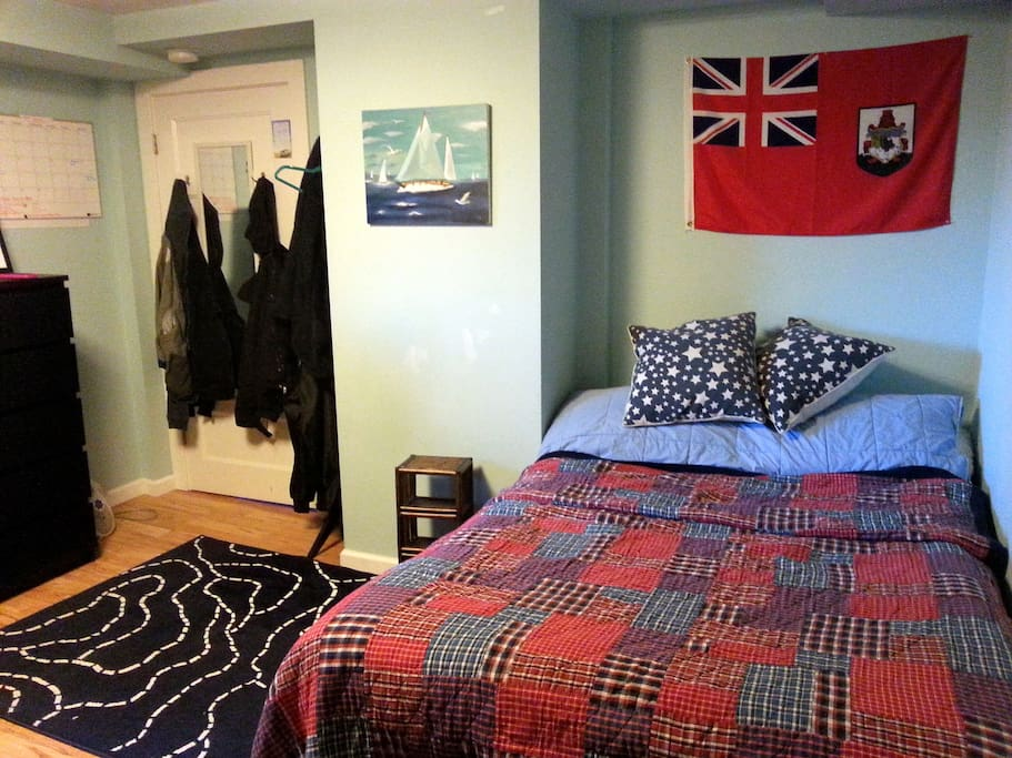 Clean, comfortable room.
