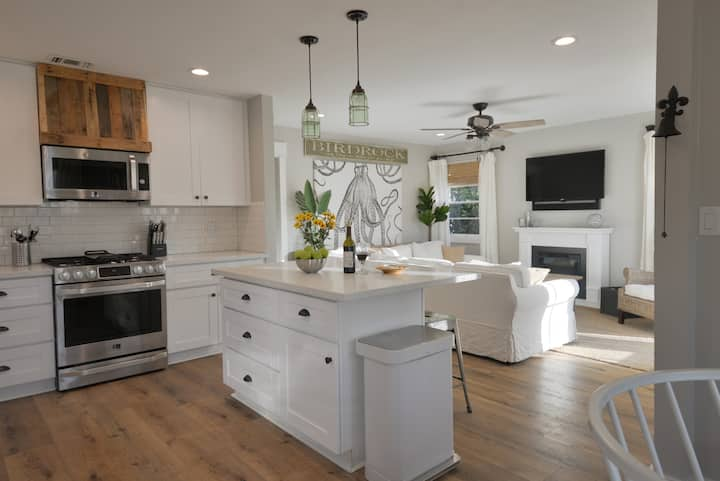Welcome to Casa Blanca! New 3 Bd. House c/Firepit