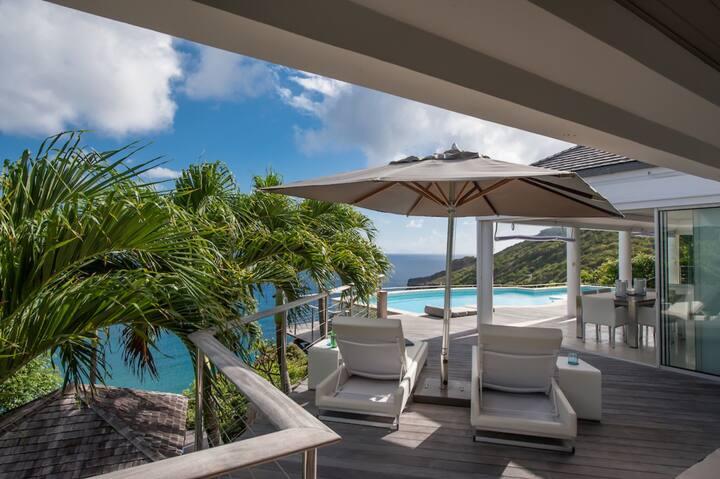 Majestic & Refined - Gouverneur View Villa!