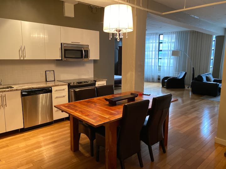 Beautiful one bedroom downtown