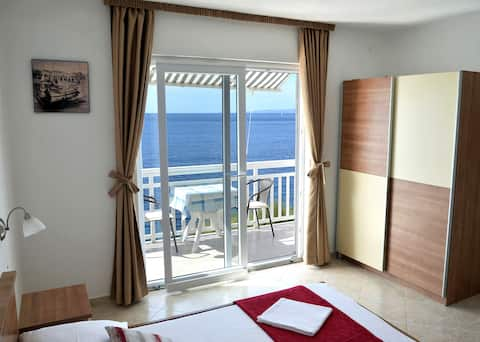 SUNSET STUDIO APARTMENT by the sea