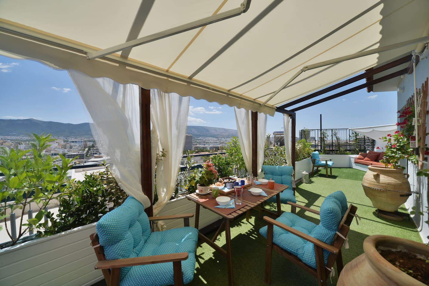 Enjoy a beautiful morning in this terrace