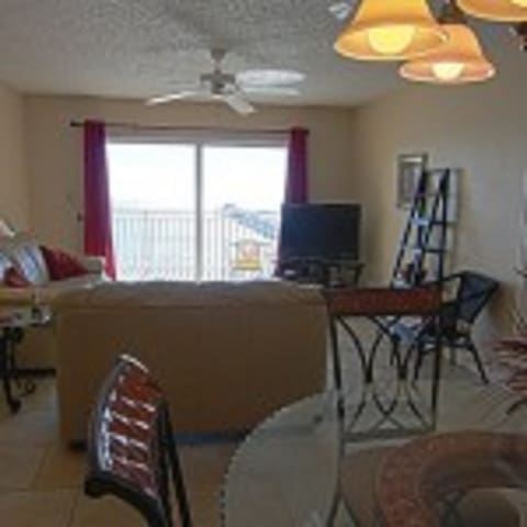 Beach Front 3 bdrm 3 bath sleeps 10 Clearwater