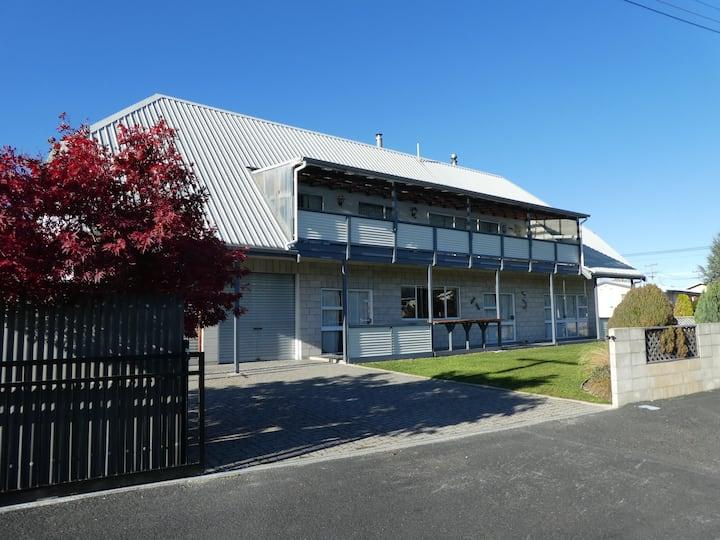 Mackenzie Lodge