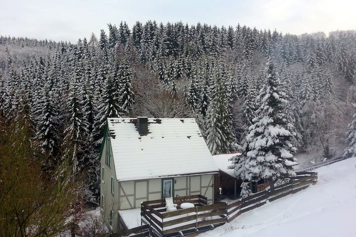 Large apartment in Rübeland in the Harz with cosy wood stove