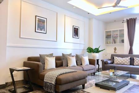 The Lotus - luxury 3 bedroom apartment - Nova Deli