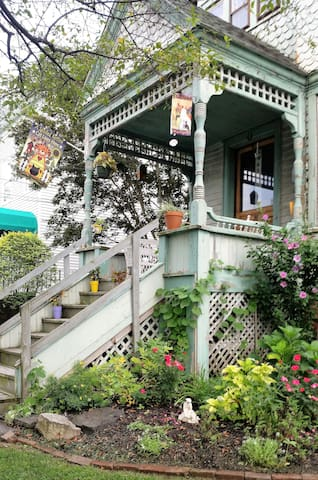 Historic Victorian Home - Queen Suite/Private Bath - Poughkeepsie - Casa