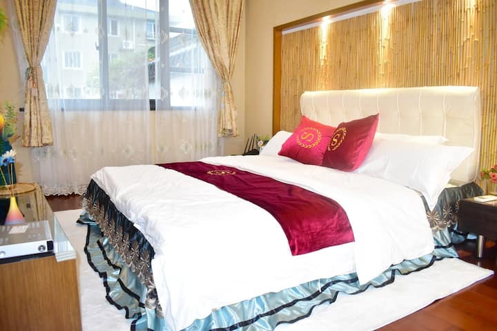 周庄古镇奢华大床房带浴缸可享大客厅可泡澡