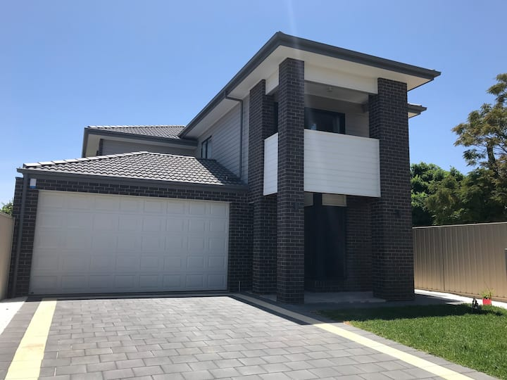 Modern Double Storey House near City