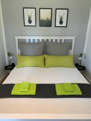 Schlafe schön im hübschen Schlafzimmer, in 1,60x2,00.
