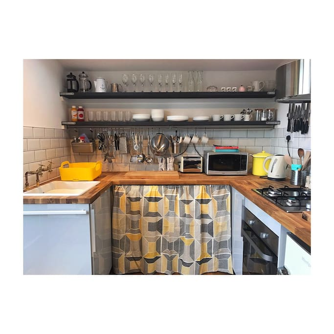 A fully equipped kitchen set up by a chef!