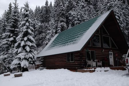 Leavenworth private log cabin on the mtn :) - Leavenworth