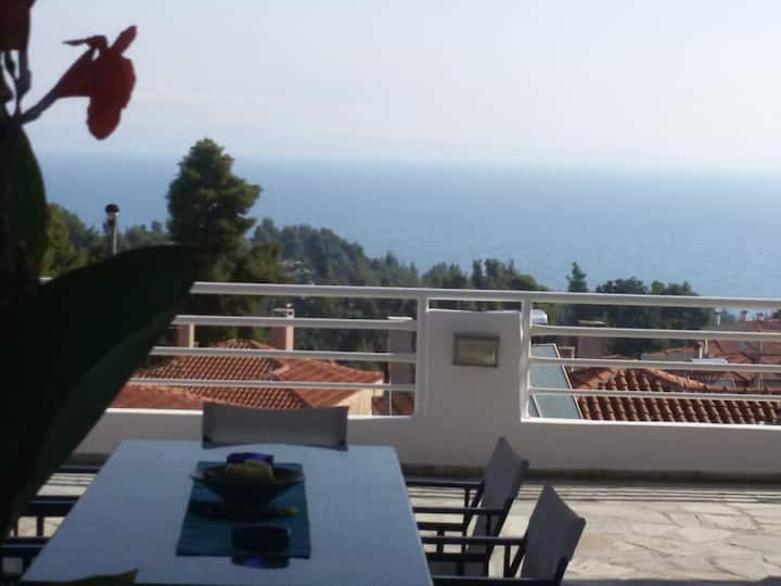 Apartment with great view in Kriopigi