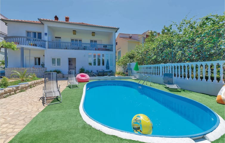 Holiday apartment with 2 bedrooms on 66m² in Zadar