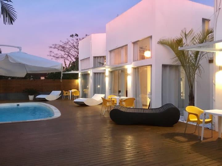 No1 Casa de Praia com Piscina/ Stylish Beach House
