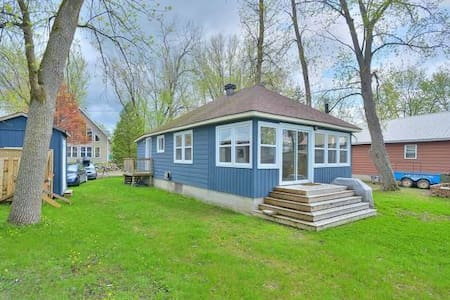 Waterfront Cottage 30 min to Ottawa - Luskville - Kulübe