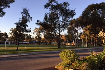 Mortlock BNB: Near Fremantle, park, s/contained - Hamilton Hill