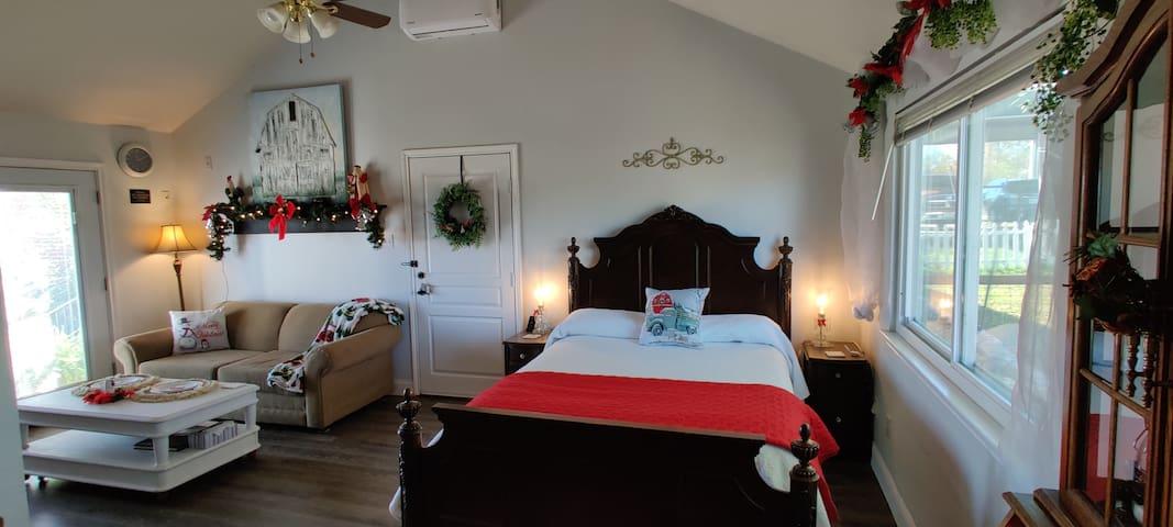 Rose Suite at Hutto Farmhouse