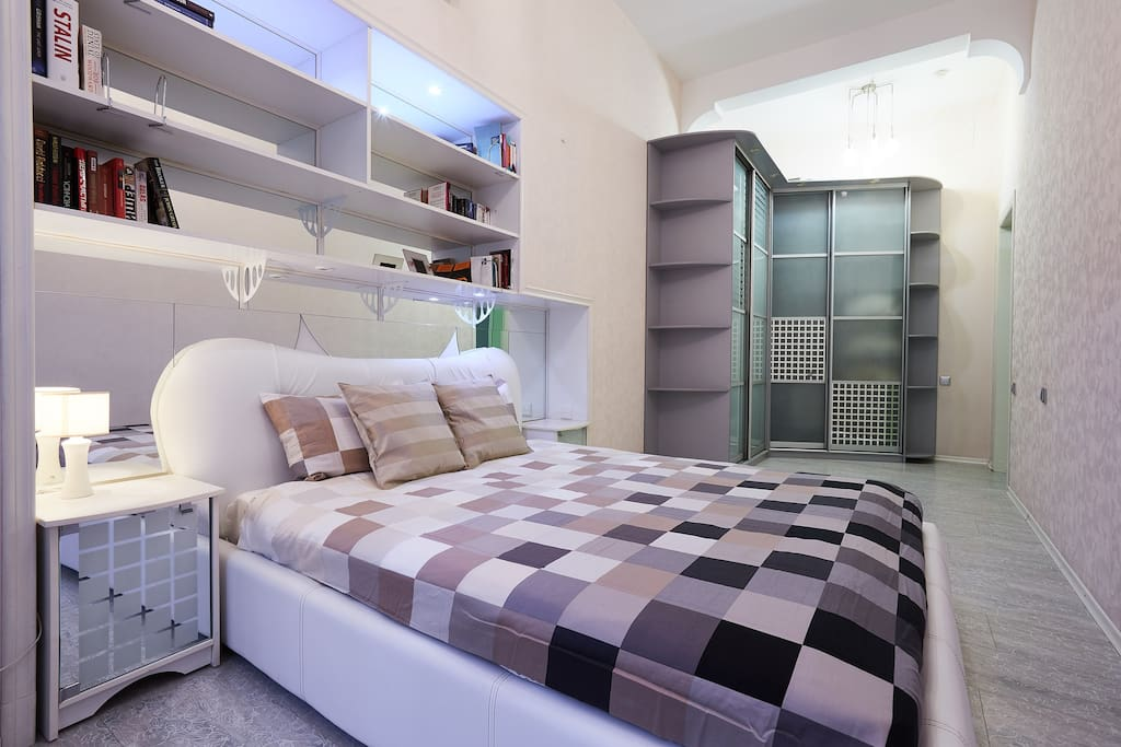 Large bedroom and queen size bed