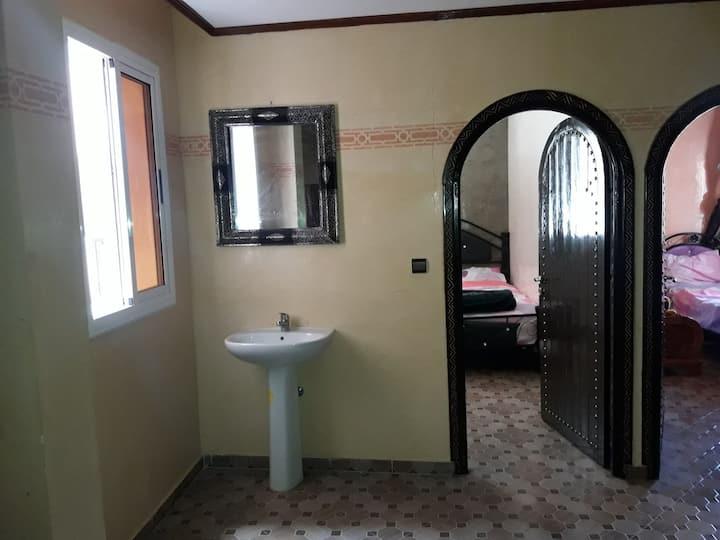 FK1 beau appartement au 1er ètage Tamraght Agadir.