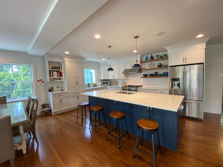 Maplewood Spacious Home